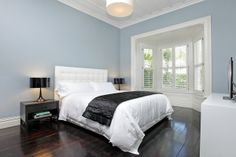 Penny and Glenn live in harmony :: Habitat of the Week Resenes Smalt Blue, Milk White and Porcelain