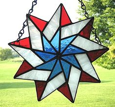 Stained Glass Patriotic Star - Delphi Stained Glass crafts-ideas-for-things-i-ll-never-do Stained Glass Suncatchers, Stained Glass Designs, Stained Glass Projects, Stained Glass Patterns, Stained Glass Quilt, Stained Glass Panels, Leaded Glass, Mosaic Glass, Fused Glass