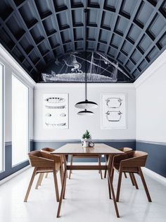 coffered ceiling /