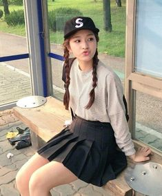 Find images and videos about girl, model and korean on We Heart It - the app to get lost in what you love. Ulzzang Girl, We Heart It, Skater Skirt, Korean, Hipster, Wattpad, Park, Girls, Model