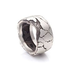 Esquarders Black Slate Wide Ring #esquarders #esquardersworld #blackslate #jewellery #handcraftedjewellery #man #mensfashion #manonly #manlifestyle #mensjewelry #manworld #adventure #silver #ring #cufflinks #pendant #bracelet #brutal #estoniandesign #giftsforhim #giftsformen #mensgifts