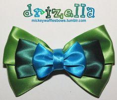 Etsy の Drizella Hair Bow by MickeyWaffles