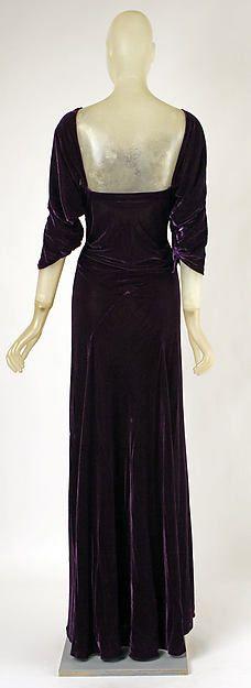 Dinner dress (image 3 - back) | Madeleine Vionnet | French | 1934 | silk | Metropolitan Museum of Art | Accession Number: 1978.278.1