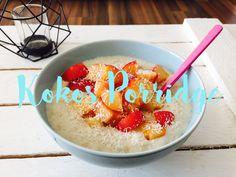 Kokos Porridge von Kerstin  Haferflocken in Alpro Soya Kokosmilch kochen, etwas süßen (Zucker oder Stevia oder Honig), Kokosraspeln und Obst Deiner Wahl darüber! Brinner, Stevia, Birthday Cake, Desserts, Food, Coconut Milk, Rolled Oats, Salads, Sugar