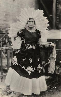 Tehuana, Oaxaca.-1920