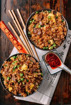 Classic Beef Fried Rice Beef fried rice is definitely one of our favorite items on your average Chinese takeout menu. Find out how to make an easy & better beef fried rice at home! Asian Recipes, Beef Recipes, Cooking Recipes, Healthy Recipes, Simple Recipes, Leftover Steak Recipes, Easy Japanese Recipes, Healthy Nutrition, Drink Recipes