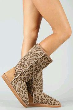 Leopard Uggs <3