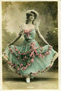 Vintage Photos Women, Vintage Girls, Vintage Pictures, Vintage Photographs, Vintage Images, French Vintage, Vintage Dresses, Vintage Woman, Images Victoriennes