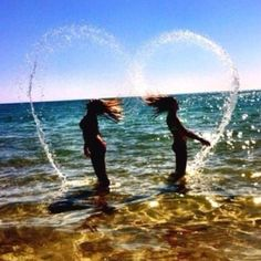 74 images about bff💕💕💕 on we heart it Best Friend Fotos, Best Friend Pics, Best Friend Things, Cool Pictures, Cool Photos, Water Pictures, Artsy Photos, Cool Summer Pictures, Creative Beach Pictures