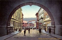 Piazza Goldoni -- I think this was the tunnel my mother went to during air raids of WW2.
