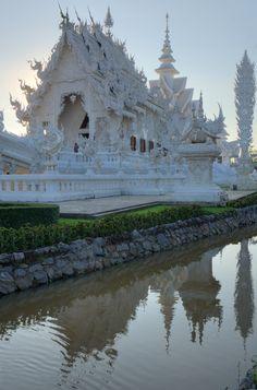 Wat Rong Khun, Pa O Don Chai, Thailand