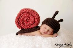 Snail Newborn Cape Prop listing for snail plus TWO by Bethanys5, $48.00