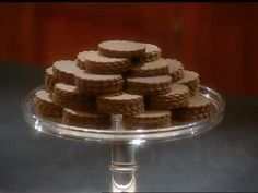 Martha Stewart bakes the cookie of the week which is the moravian cookie. She also discusses its interesting origins.
