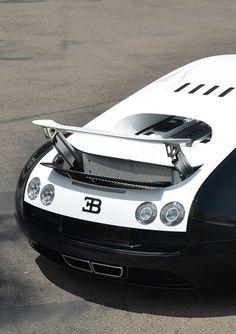 #Bugatti Veyron Pur Blanc