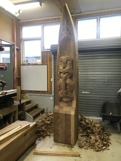 Waka Maumahara carved 2019 to commemorate Ngati Wairere involvement in the battle of Rangiriri Maori Words, Maori Patterns, Maori Designs, Maori Art, Bone Carving, Wood Carvings, Wood Sculpture, New Zealand, Battle