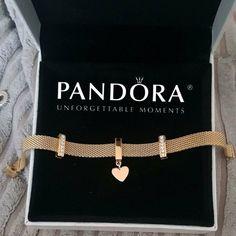 Cute Jewelry, Bridal Jewelry, Jewelry Accessories, Fashion Accessories, Jewelry Design, Beautiful Diamond Rings, Pandora Jewelry, Pandora Bracelet Gold, Pandora Pandora