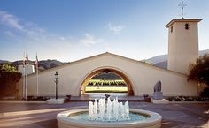 Robert Mondavi Winery - Visit Us - Tours & Tastings - Oakville CA in the Napa Valley
