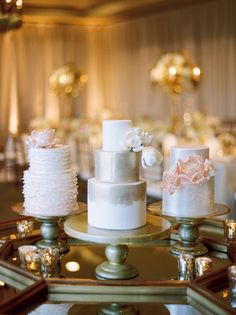 metallic sugar flower cakes | Landon Jacob #wedding