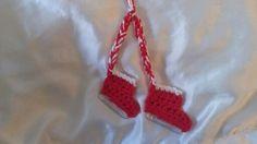 Ice skate Christmas tree ornament; hdc-red, sc-white, G hook