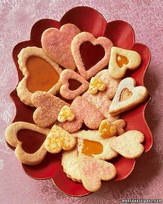 Have a Cheap Valentine's Day with Friends!  2014 Valentine's Day Cookie  #Valentines #ideas #dessert #recipes www.loveitsomuch.com