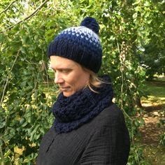 Knitted hat in wool and Alpaca. Hand Knitting, Knitting Patterns, Winter Hats For Women, Chunky Yarn, Pom Pom Hat, Knitted Hats, Wool, Crochet, Fashion