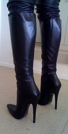 Here we find 54 best suitable women's long boots for winter that are unique and very fashionable. These are the best long boots for ladies and girls. Thigh High Boots, High Heel Boots, Knee Boots, Heeled Boots, Bootie Boots, Stylish Boots, Sexy Boots, High Leather Boots, Black Leather