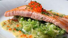 Laks med sommerkål og smørsaus Other Recipes, Fish Recipes, Seafood Recipes, Low Carb Recipes, Recipies, Frisk, Fish And Seafood, Lchf, Tuna