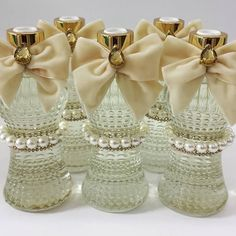 E pra finalizar um lindo difusor de aromas.  #casamento #difusor #aroma #cheirinho #presente #presenteutil #decorhome #cinturinha #toalhadelavabo #toilett #presentepersonalizado #presenteespecial #presentedenatal #natal #noiva