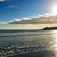 【megumi_st】さんのInstagramをピンしています。 《* 今週も頑張りましょう🎶 2017/01/23 #カコソラ#空#ソラ#雲#海#光#太陽#冬空#波打ち際  #instapic#instasky#cloud#sky#sea#sun#winter #igで繋がる空#空好きな人と繋がりたい》