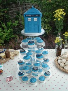 Image detail for -Dr Who Tardis ... Dr Who Tardis and cupcakes