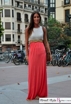 Street Style by Primeriti- Maxivestido bicolor Street Style, Cool Stuff, My Style, Skirts, Blog, Outfits, Clothes, Fashion, Vestidos
