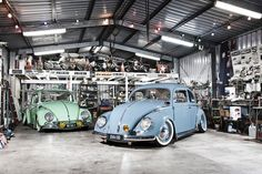 Two of the coolest Volkswagen Beetles in Australia! How to get your VW bug down nice and low and...