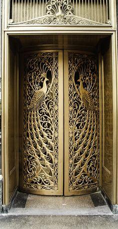 Art Nouveau Peacock Door - Door to the former C. Peacock jewelry store on State Street at Monroe in Downtown Chicago, Illinois. Cool Doors, Unique Doors, Art Nouveau, Art And Architecture, Architecture Details, Gates, Portal, Door Knockers, Stairways