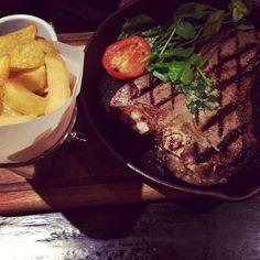 #weekendnotes #steak #porterhouse #thickcutchips #cambridge #foodporn #manvsfood #saturdaynight #feed