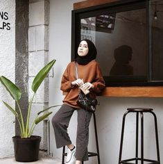 68 new Ideas fashion style hijab Hijab Style, Casual Hijab Outfit, Ootd Hijab, Hijab Chic, Casual Winter Outfits, Modern Hijab Fashion, Hijab Fashion Inspiration, Muslim Fashion, Modest Fashion
