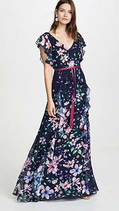 Shop a great selection of Marchesa Notte Printed Burnout Chiffon Gown. Find new offer and Similar products for Marchesa Notte Printed Burnout Chiffon Gown. Nice Dresses, Girls Dresses, Flower Girl Dresses, Prom Dresses, Marine Uniform, Looks Chic, Kimono Dress, Sequin Dress, Chiffon Gown
