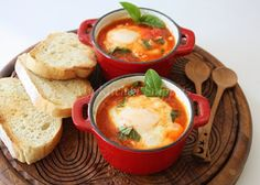 My Kitchen Snippets: Eggs in Purgatory/Poached Eggs in Tomato Sauce