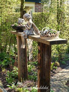 Gartenbuddelei: At least once a year …. and winner # once … - Modern Small Flower Gardens, Small Backyard Gardens, Backyard Fences, Outdoor Gardens, Vintage Garden Decor, Lawn Edging, Most Beautiful Gardens, Diy Porch, Garden Art