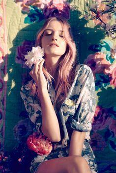 Amanda Norgaard for HM conscious collection 2013 Floral Fashion, Boho Fashion, Fashion Beauty, Fashion Shoot, Fashion Clothes, Street Fashion, Vanessa Paradis, Editorial Photography, Portrait Photography