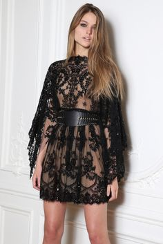 Zuhair Murad Herbst 2014 Ready-to-Wear-Modenschau Trendy Dresses, Nice Dresses, Short Dresses, Summer Dresses, Sleeveless Dresses, Summer Outfit, Black Lace Cocktail Dress, Lace Dress Black, Dress Lace