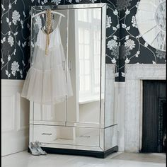 Mirrored Armoire Closet Simple Innovative by no means go out of types. Mirrored Armoire Closet Simple Innovative may be ornam Mirrored Furniture, City Furniture, Furniture Sets, Mirrored Wardrobe, Small Wardrobe, Sliding Wardrobe, Modern Wardrobe, Wardrobe Doors, Wardrobe Organisation