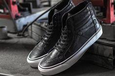 84 Hình ảnh shoes shooting đẹp nhất | Nike shoes, Loafers