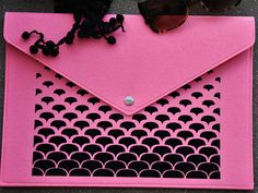 Pink clutch purse, Envelope clutch, Pink handbag, Laptop carrying case, Folder case, Pink laptop case, Felt macbook sleeve, Laptop cover