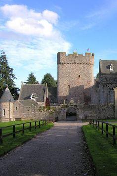 Drum Castle. Scotland. Побудуй свій власний замок http://eko-igry.com.ua/products/category/1658731