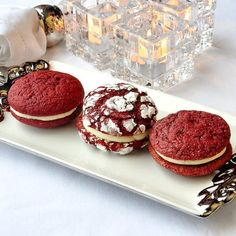 Red Velvet Cream Cheese Cookies – delicious, soft, red velvet cookies sandwiched together with smooth, luscious cream cheese frosting. A favorite cake in cookie form.
