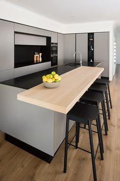 Byford Kitchen by Retreat Design #blackkitchen #oak #granite #fenixntm #kitchen #kitchendesign