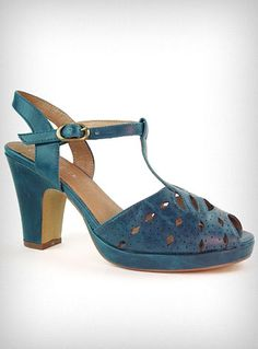 Chronically Vintage: These beautiful 1940s inspired shoes were made for dancing