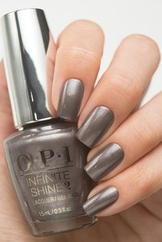 The advantage of the gel is that it allows you to enjoy your French manicure for a long time. There are four different ways to make a French manicure on gel nails. Colorful Nail Designs, Nail Art Designs, Cute Nails, Pretty Nails, Christmas Nail Polish, Nagel Gel, Opi Nails, Gorgeous Nails, Nail Polish Colors