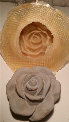 Rosen aus grauem Mörtel  Ersten Guss mit eigener Latexform Latex, Form, Icing, Peanut Butter, Desserts, Tailgate Desserts, Deserts, Postres, Dessert