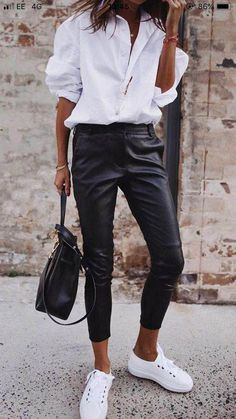 Simple shick - classic white shirt, leather pants and white shoes, . Simple shick - classic white shirt, leather pants and white shoes, Leather Pants Outfit, Black Leather Pants, Black Trousers, Trousers Women, White Pants, Leather Outfits, Leather Loafers, Work Trousers, Outfit Jeans